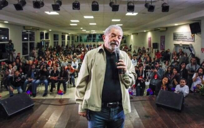 Ex-presidente tem concedido entrevistas e participado de eventos com apoiadores para defender legado petista