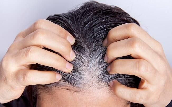 A causa dos cabelos brancos%2C de acordo com um estudo da Universidade de Harvard%2C é a noradrenalina%2C liberada quando as pessoas estão estressadas
