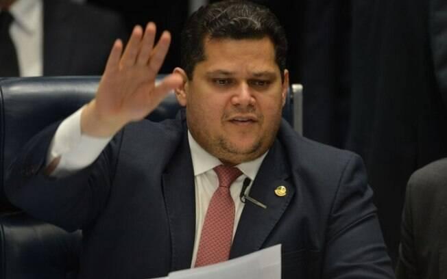 Alcolumbre manifestou chateação com postura do Planalto
