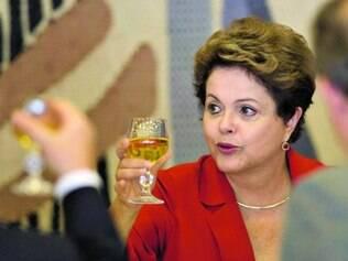 Lista. Dilma Rousseff tem apartamentos, joias e terrenos declarados à Justiça