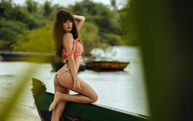 Thaila Ayala arrasa em foto sensual