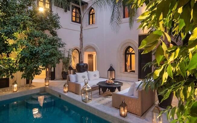 Representand os hotéis  estrelas com bom custo-benefício está o Riad Kheirredine, em Marraquexe, no Marrocos