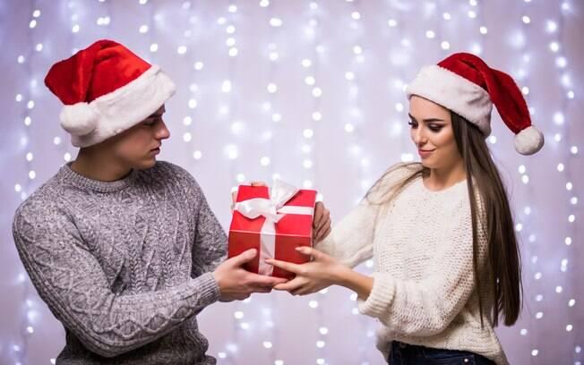 Ao Delas, terapeuta faz avaliação da situação do casal em relação aos presentes de Natal; veja o que ela disse