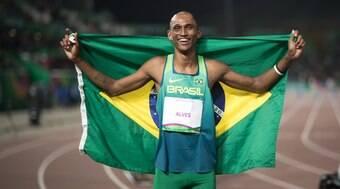 Alison dos Santos chega à semifinal dos 400 metros
