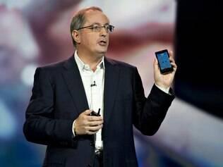 Otellini em janeiro na CES: Intel tenta entrar no mercado de celulares