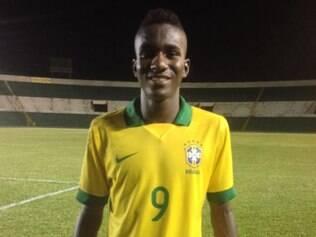 Atacante Marcelo, do time sub-17 do Cruzeiro, já foi chamado para defender a seleção de base