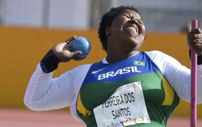 Rosinha Santos em ação pelo Brasil no Parapan: ela foi bronze no arremesso de peso