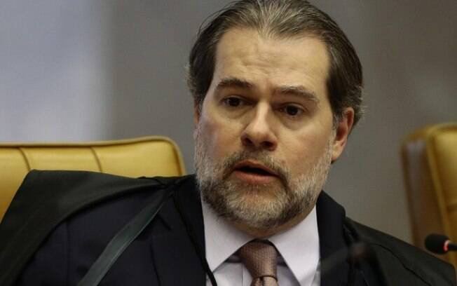 Dias Toffoli conduz inquérito contra
