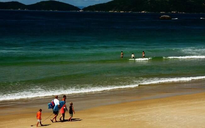 Quatro Ilhas, em Bombinhas, é uma das praias favoritas dos turistas