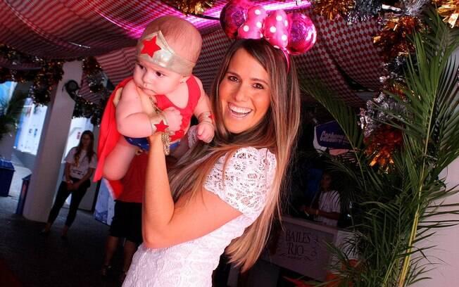 Fernanda Pontes com a pequena Malu