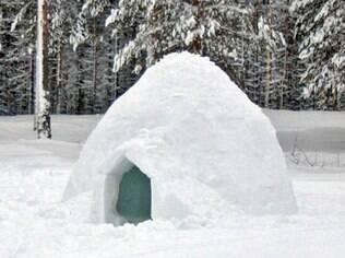 A técnica de construção dos iglus é um bom exemplo da chamada arquitetura vernacular