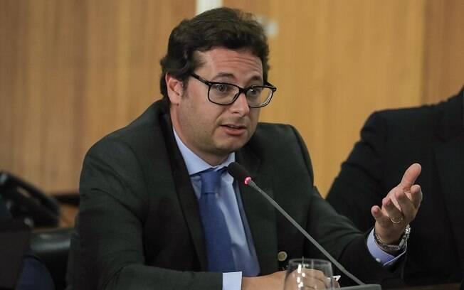 Fábio Wajngarten, secretário de Comunicação do governo Bolsonaro, é suspeito de peculato, corrupção passiva e advocacia administrativa