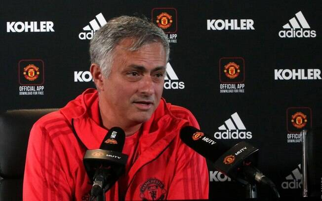 Mídia britânica voltou a cogitar a saída de Mourinho do Manchester United