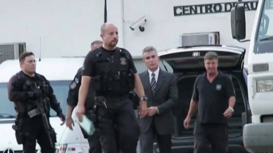 Contraventor Rogério de Andrade, sobrinho de Castor de Andrade e acusado de assassinar o bicheiro Fernando Iggnácio em 2020 fugiu fora do país