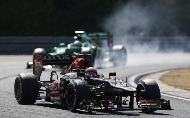 Romain Grosjean conduz a Lotus durante o GP  da Hungria de Fórmula 1