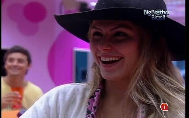 Renata afirma não sentir ciúmes de Ronaldo