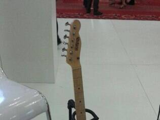 Primeira guitarra em 3D é apresentada no Brasil