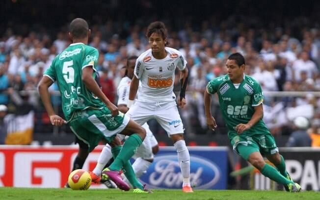 O Guarani chegou à final do Paulistão de 2012, mas foi facilmente batido pelo Santos de Neymar