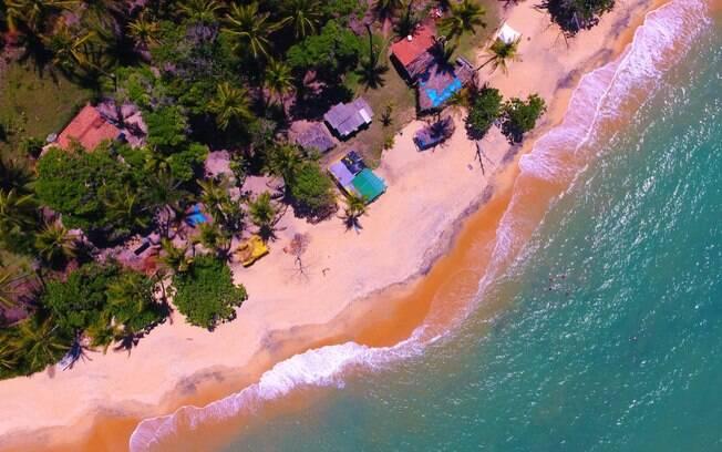 Clima de tranquilidade e belas praias marcam a atmosfera de Caraíva