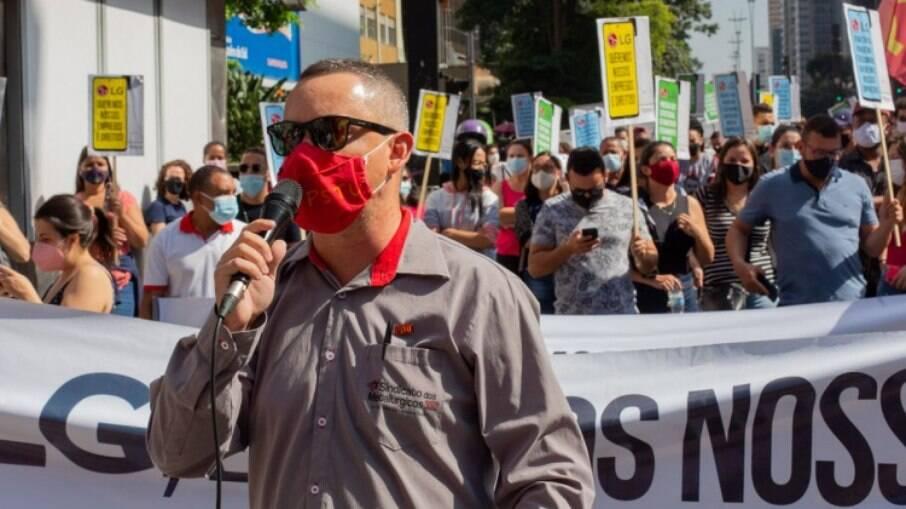 Protesto pacífico desta quarta-feira reuniu cerca de 200 trabalhadores