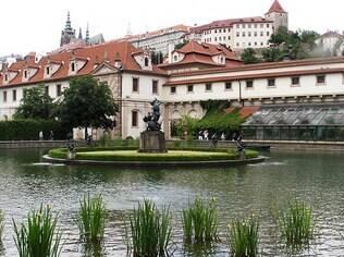 O Palácio do Senado possui um dos jardins mais bonitos de Praga