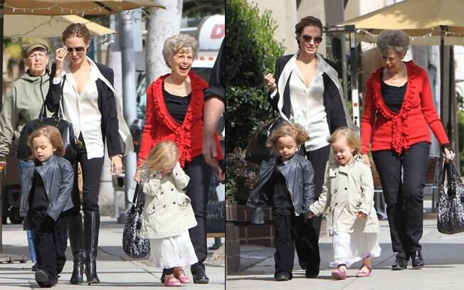 Angelina Jolie e a sogra, Jane Pitt, passeiam com Knox e Vivienne nessa segunda-feira (27)