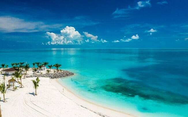 Vista aérea do litoral da Ocean Cay MSC Marine Reserve