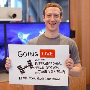 Transmissão entre Zuckerberg e astronautas foi assistida por mais de 1,7 milhão de usuários