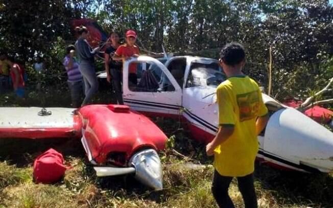 Duas pessoas se feriram na queda do avião e foram encaminhadas para hospital em Manaus