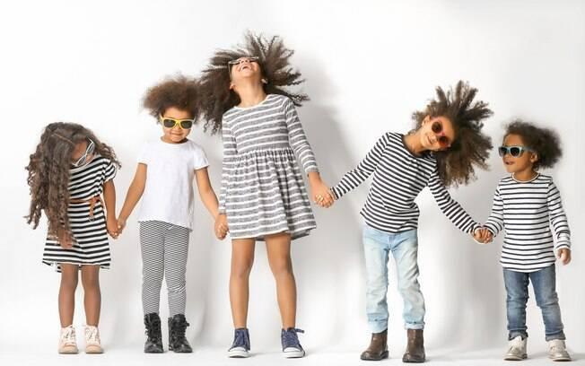 Crianças com cabelo cacheado ou crespo que estão crescendo agora têm a oferta de muito mais produtos para os fios