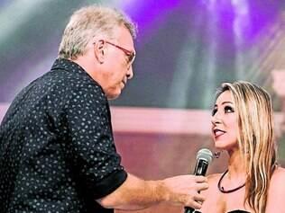 Rotina. Pedro Bial conversa com Francieli após sua eliminação