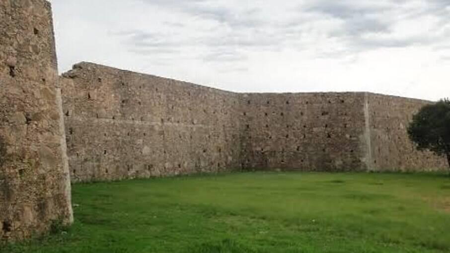Forte de D. Pedro II em Caçapava do Sul é um turismo histórico