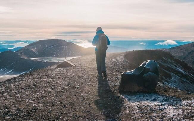 Viaje por montes, lagos e lugares incríveis na travessia de Tongariro