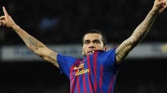 Técnico do Barcelona se pronuncia sobre chegada de Daniel Alves