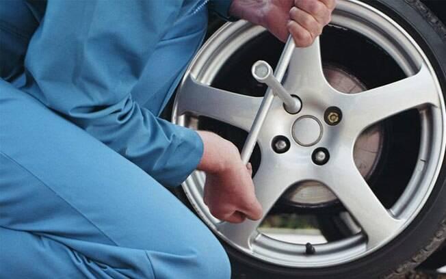 Alguém que nunca checou a disposição dos pneus em si e entre si, os desgastará muito precocemente