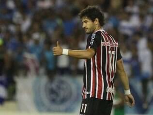 Apesar de não ter encontrado o caminho das redes, Pato aprovou sua estreia com a camisa tricolor