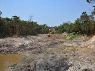 Prefeitura realiza trabalhos de recuperação de 7 lagoas, na comunidade de agricultores familiares