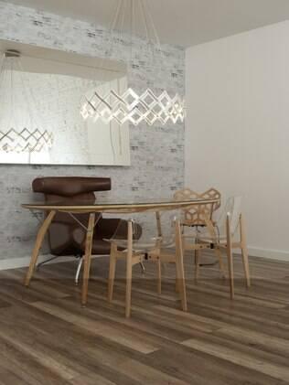 Antes de instalar o laminado de madeira é preciso instalar uma manta sobre a superfície antiga para promover conforto acústico