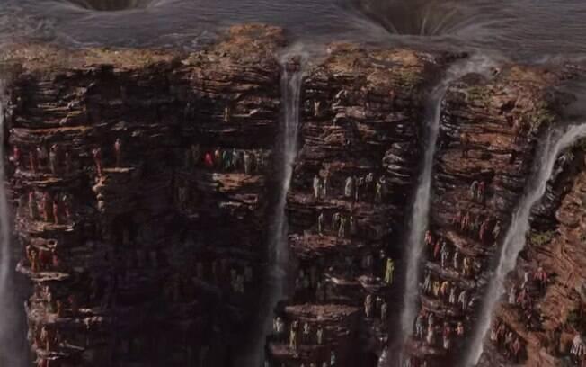 O filme tem cenas deslumbrantes nas Cataratas do Iguaçu, onde o conselho tribal se encontra