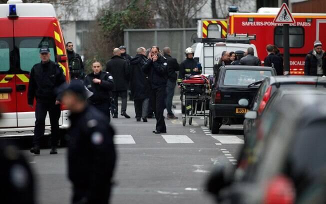 Ataque a sede de revista em Paris deixa ao menos 12 mortos. Veja imagens . Foto: AP