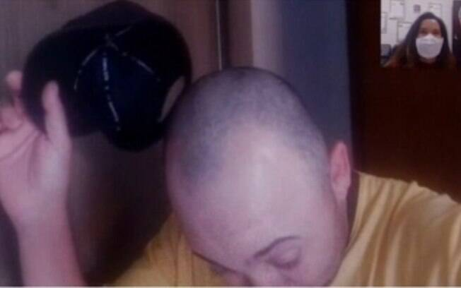 vendedor careca cabelo no lanche