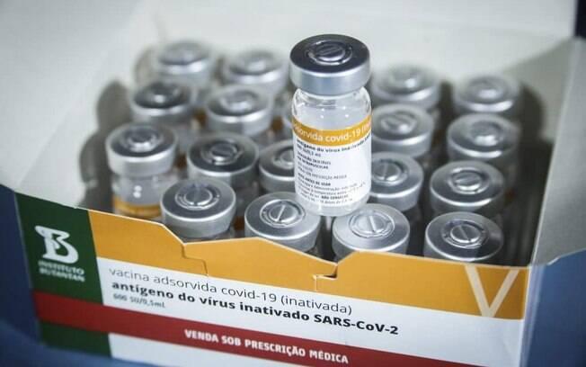 Além do novo lote de CoronaVac, serão distribuídas também 2 milhões de doses da Covishield