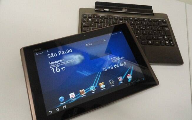 Eee Pad Transformer: dock converte tablet em notebook