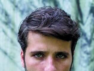 Na pele de Edu, Bruno vive um serial killer na nova produção da Globo