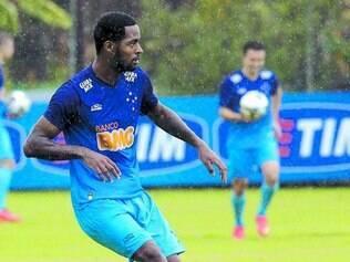 Falta pouco. Em fase final de recuperação, zagueiro Dedé pode voltar na partida contra o Goiás