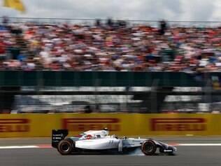 Pilotando a Williams de Valteri Bottas, Felipe Nasr conseguiu ficar a frente de Massa