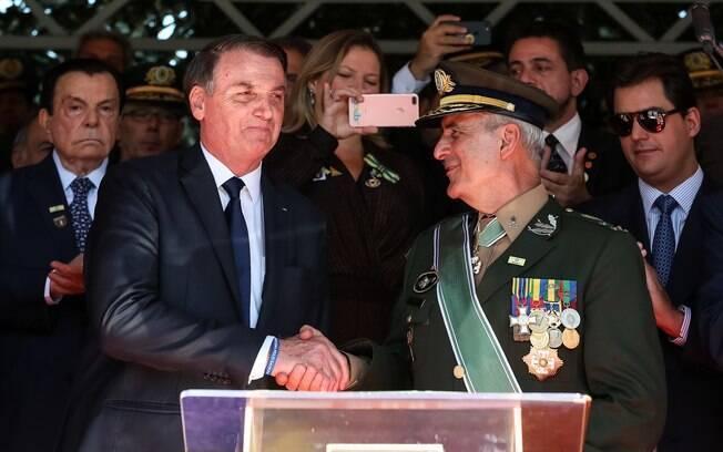 Jair Bolsonaro e general Luiz Eduardo Ramos Baptista Pereira