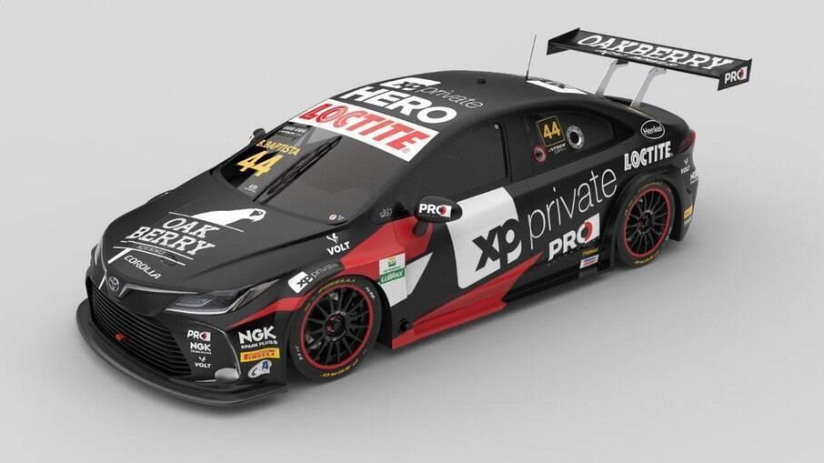 Toyota Corolla de Stock Car do piloto Bruno Baptista com novos patrocinadores na pintura renovada