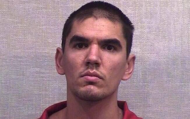 Blaze William Ayers tentou fugir da cadeia, mas acabou caindo do teto