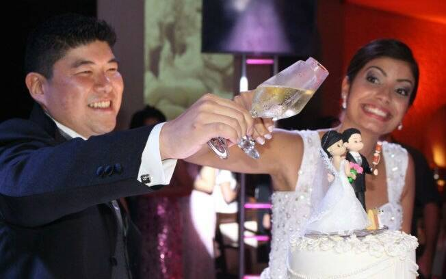Priscila casou-se com Marcel e foi morar em Curitiba. Agora enfrenta a distância da família